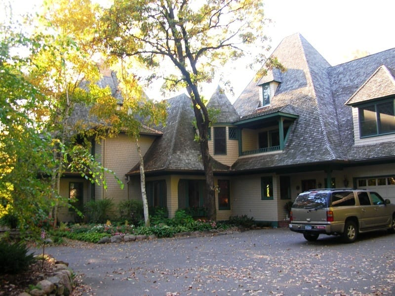 Exterior painting services for Lake Minnetonka homes
